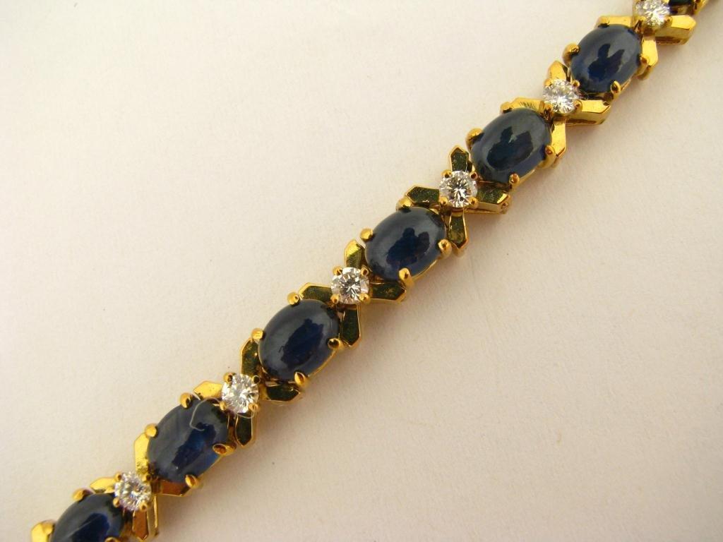 524: 18K Yellow Gold La Triomphe Sapphire Bracelet