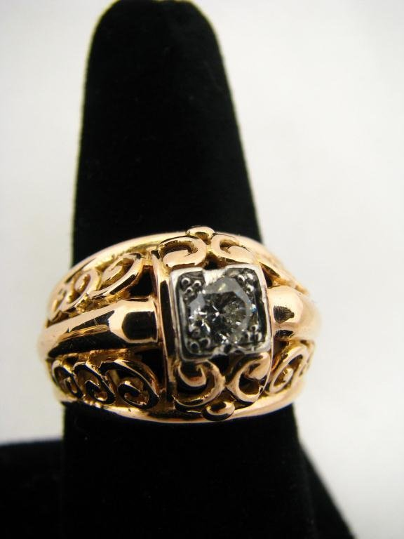 269: 18K YG Open Design Diamond Ring