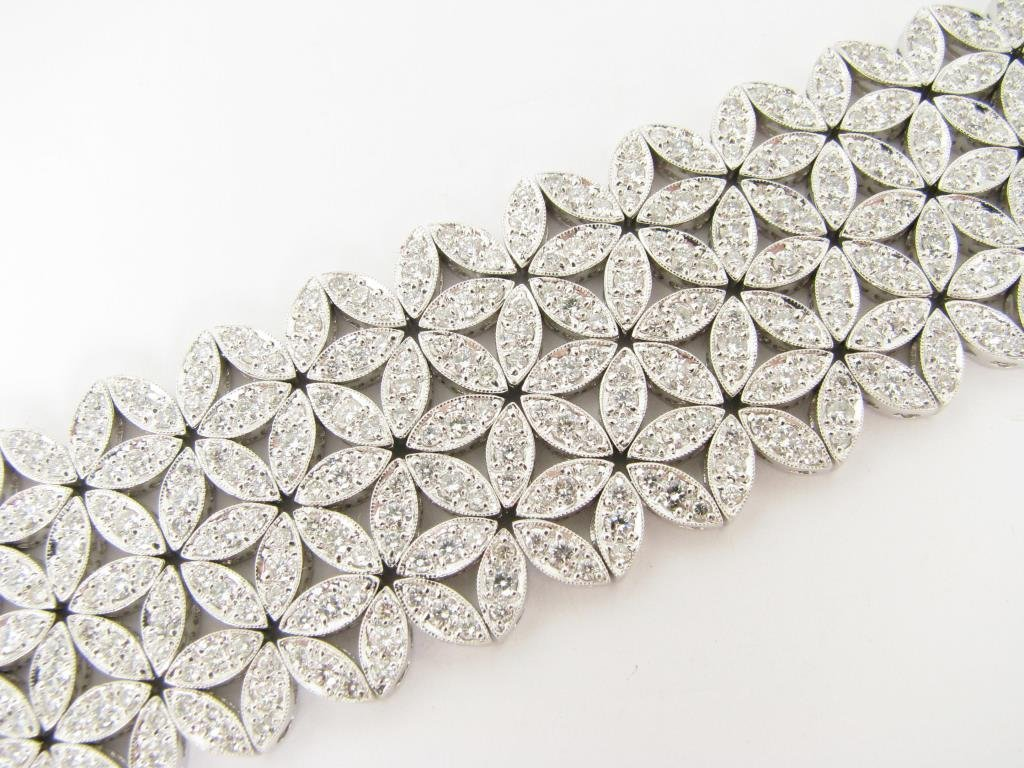 18K White Gold Diamond Bracelet, 13ct Plus