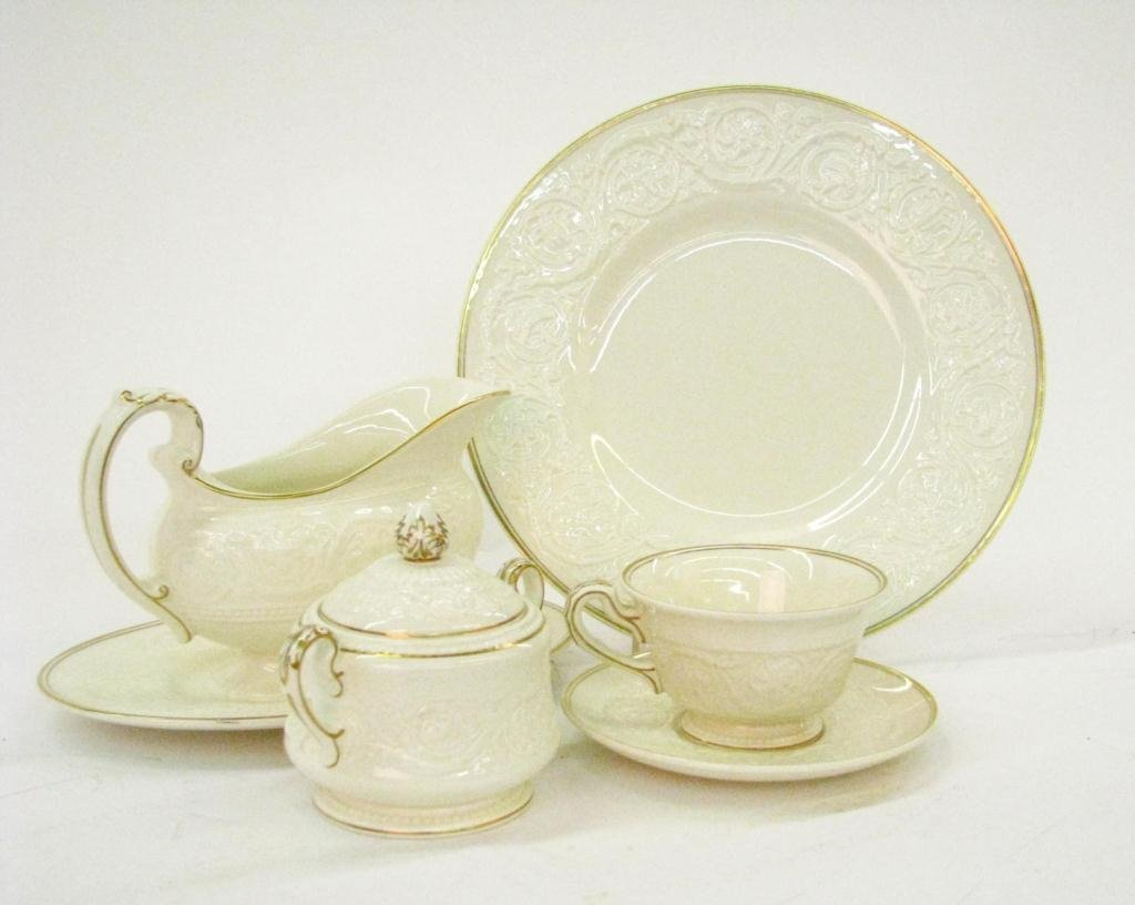 Set of Wedgwood Patrician Dinnerware