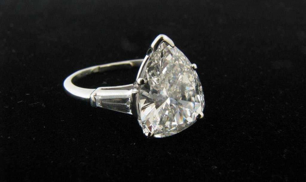 2.87ct Pear-Shaped Diamond, Platinum Ring
