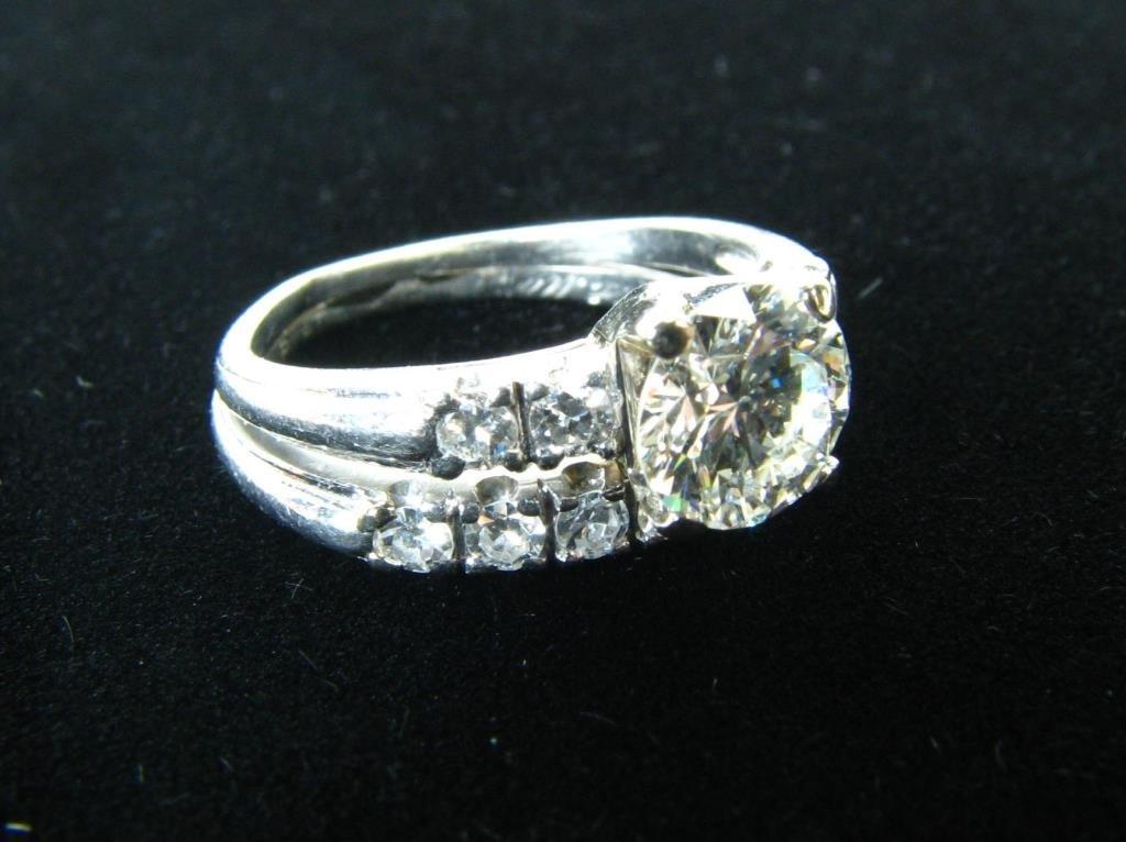 Ladies Platinum Engagement & Wedding Ring