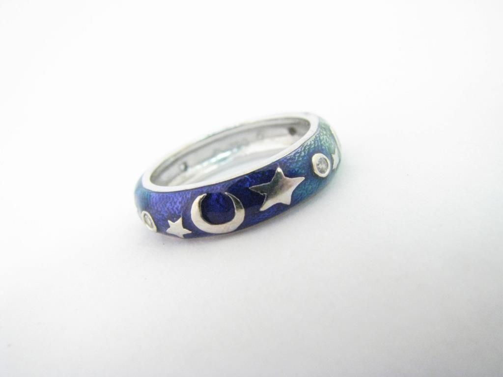 18K White Gold Hidalgo Moon and Stars Enamel Ring