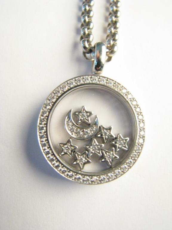 18K Moon & Stars Chopard Happy Diamond Necklace - 2
