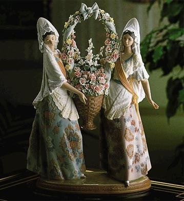 """Lladro """"The Floral Offering"""" 1490"""