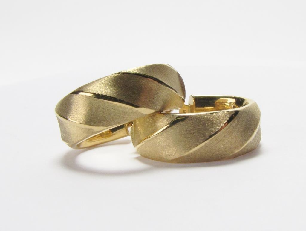 18K Yellow Gold Italian Hoop Earrings