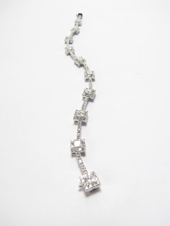 18K White Gold Lady's Diamond Bracelet