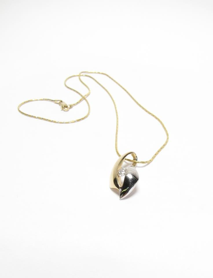 14K Yellow/White Gold Diamond Pendant, Chain