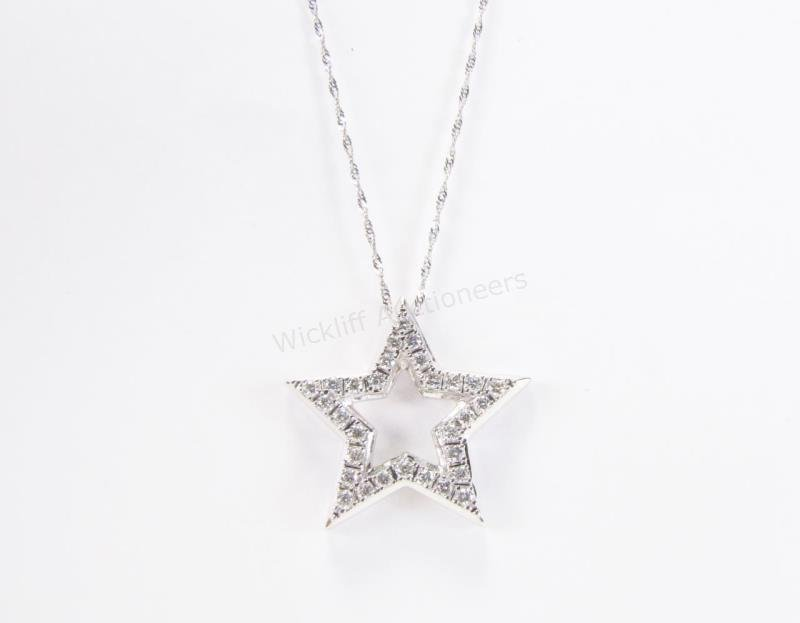 14K White Gold Diamond Star Necklace