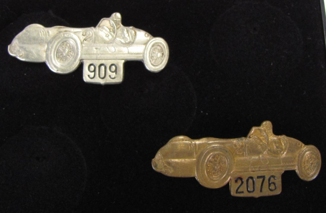 Two 1947 Indianapolis 500 Pit Badges - 2