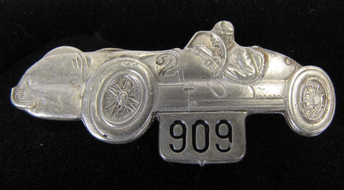 Two 1947 Indianapolis 500 Pit Badges - 3