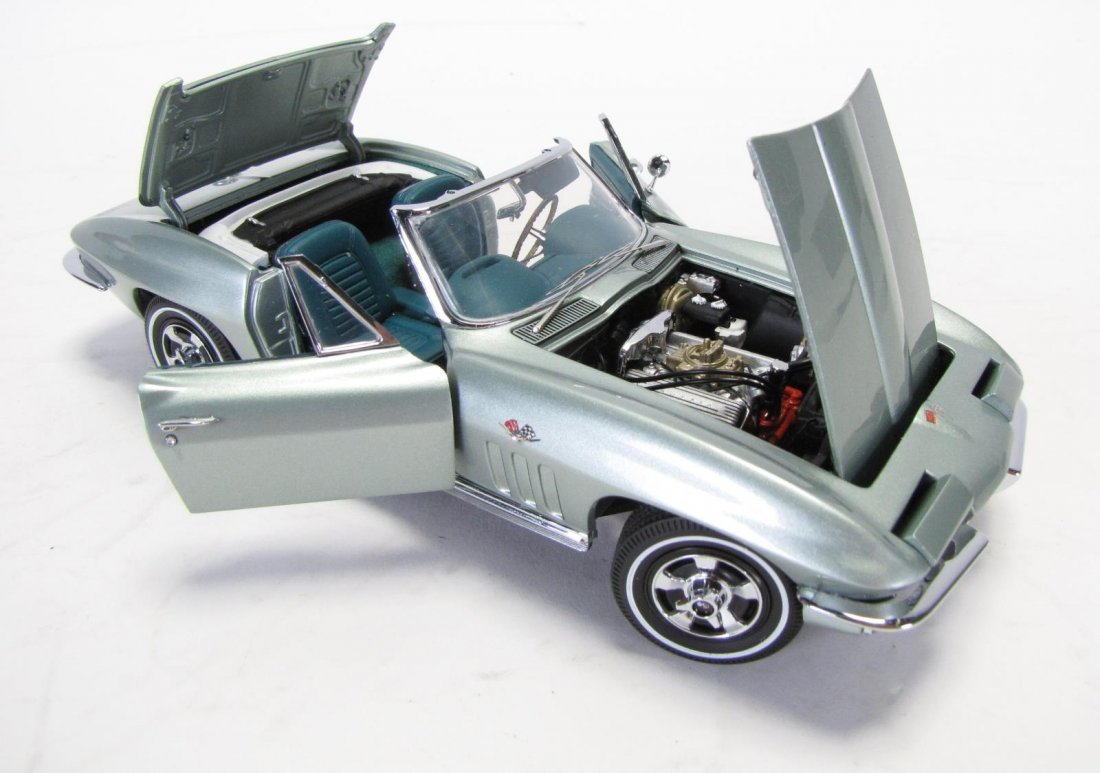 Three Danbury and Franklin Mint Die Cast Cars - 4