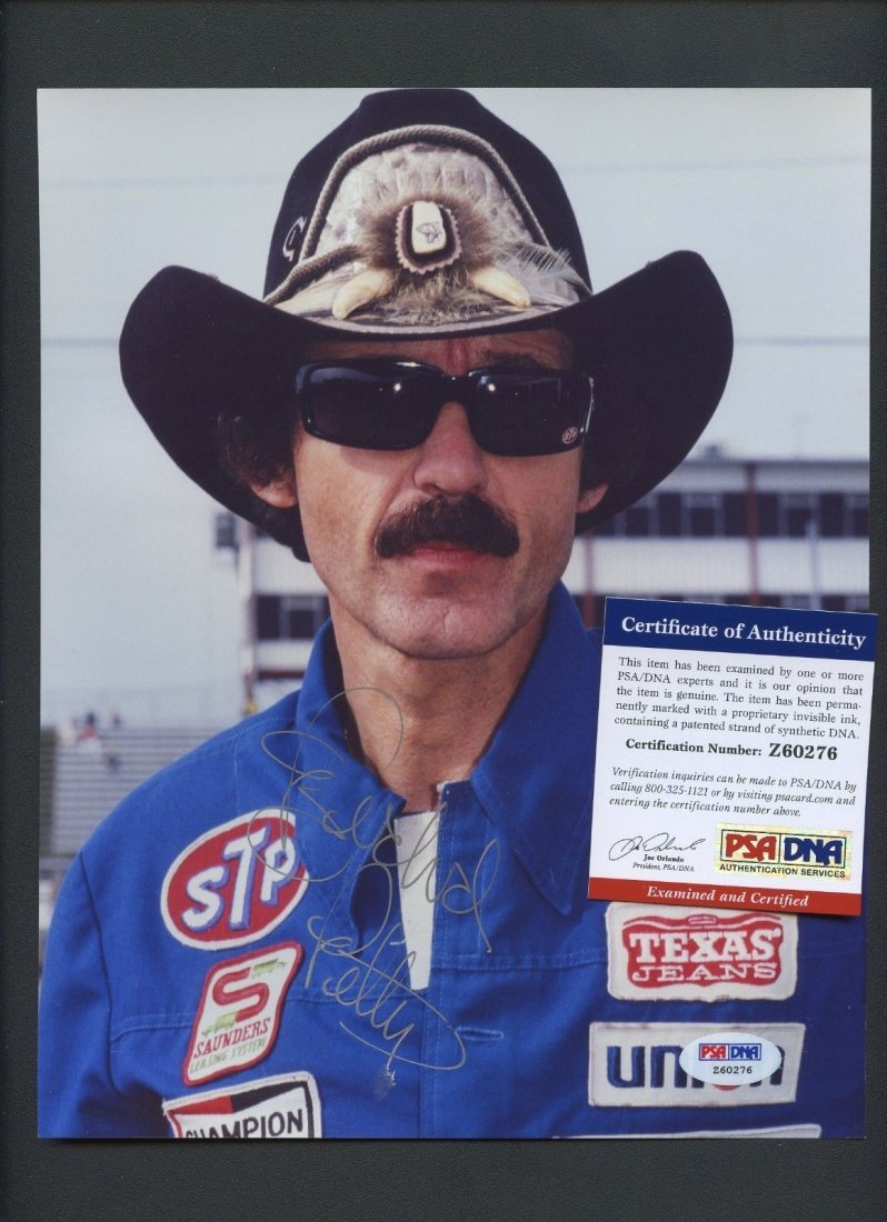 Richard Petty NASCAR Driver Signed 8x10 Photo PSA/DNA