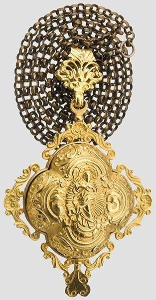 2017: A golden reliquary pendant