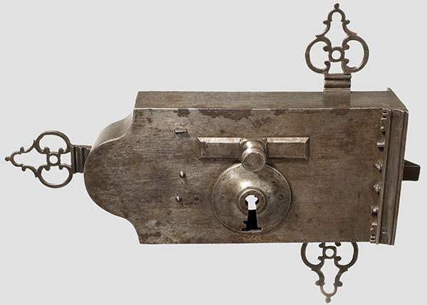 2013: A large French gate lock with two keys