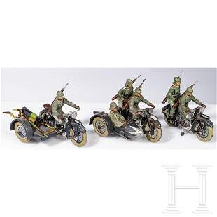 Three Lineol motorcycles with SMG 5/213 and officer in