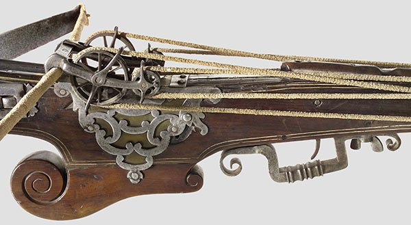 269: A heavy target crossbow with rope windlass - 2