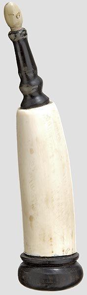 1214: Elfenbein-Pulverhorn,