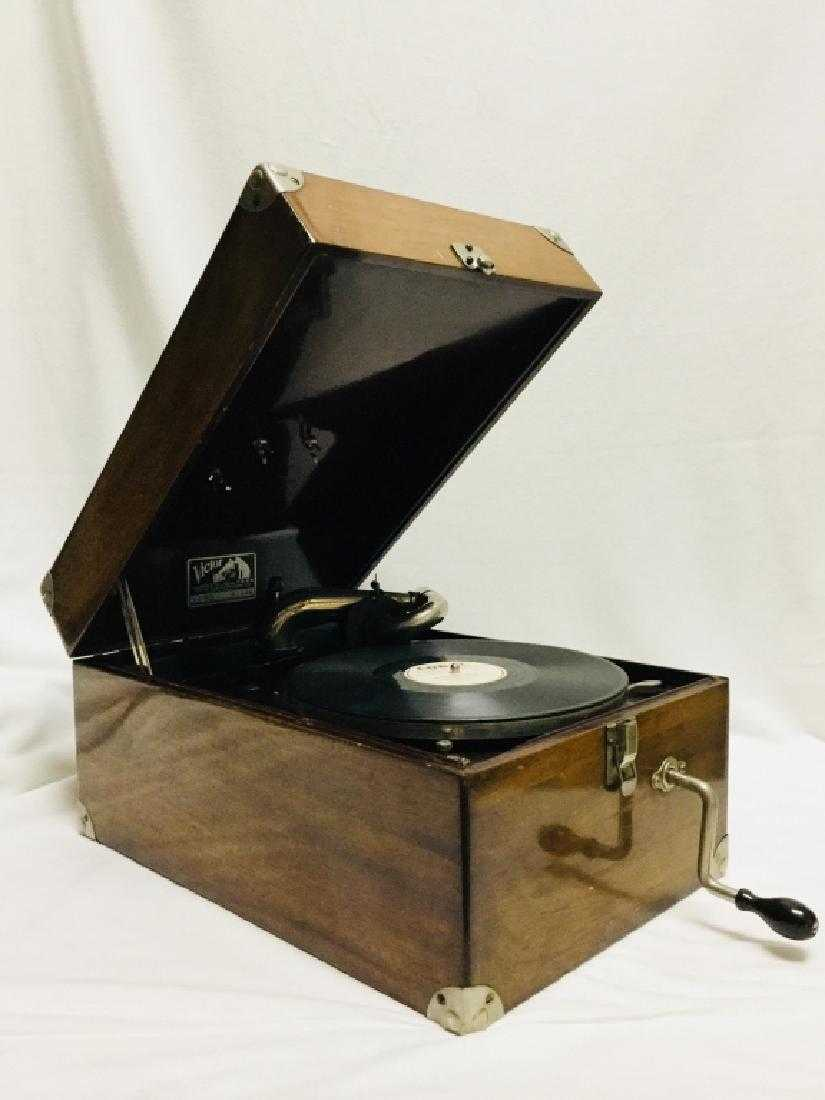VICTOR VV-50 PORTABLE VICTROLA RECORD PLAYER 1922