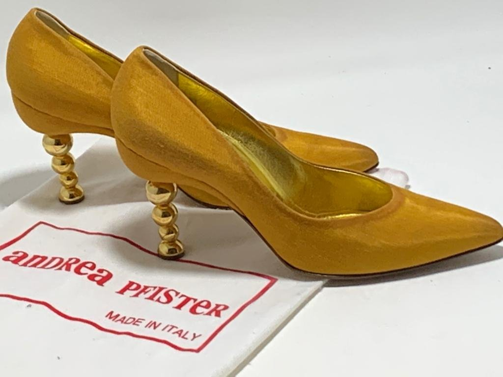 ANDREA PFISTER COUTURE GOLD GOURDED SEXY HEELS 7.5
