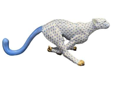 RARE HEREND BLUE FISHNET LIONESS