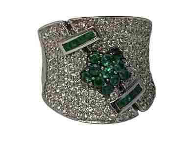 FABULOUS 14K DIAMOND AND EMERALD RING