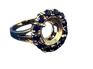 14K GOLD RING WITH A CIRCLE OF SAPPHIRES