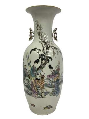 ANTIQUE WHITE HAND PAINTED CHINESE VASE 225