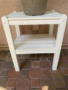 WHITE WOODEN PLANK SIDE TABLE