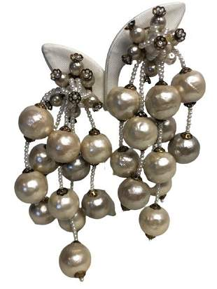 VTG FAUX PEARL DANGLE CLIP ON EARRINGS