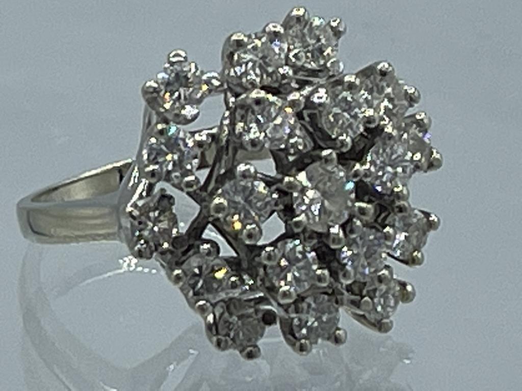 14 KARAT WHITE GOLD AND DIAMOND CLUSTER RING