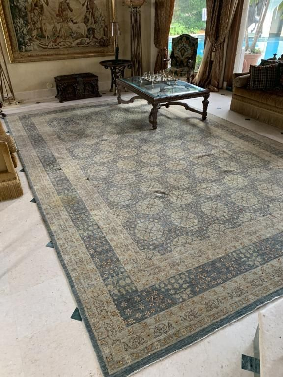 LARGE PERSIAN STYLE WOOL AREA RUG