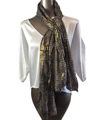 Giraffe printed scarf with a gold undertone