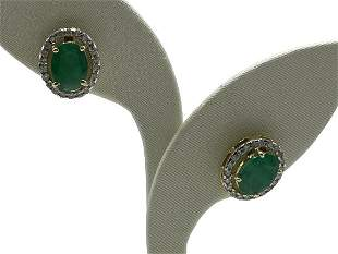 PAIR OF DIAMOND, EMERALD AND 18K GOLD EARRINGS