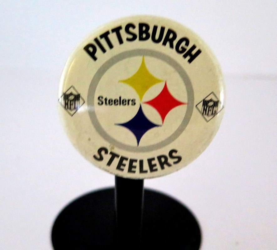 Official NFL Pittsburgh Steelers Pin Back Button –
