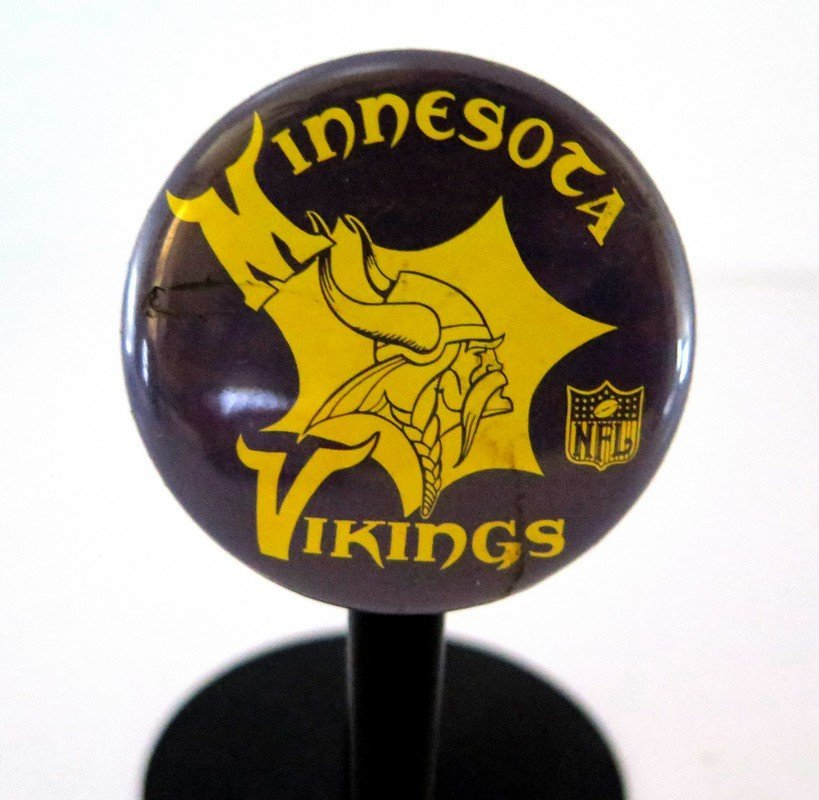 Official NFL Minnesota Vikings Pin Back Button –