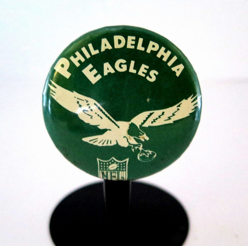 Official NFL Philadelphia Eagles Pin Back Button –
