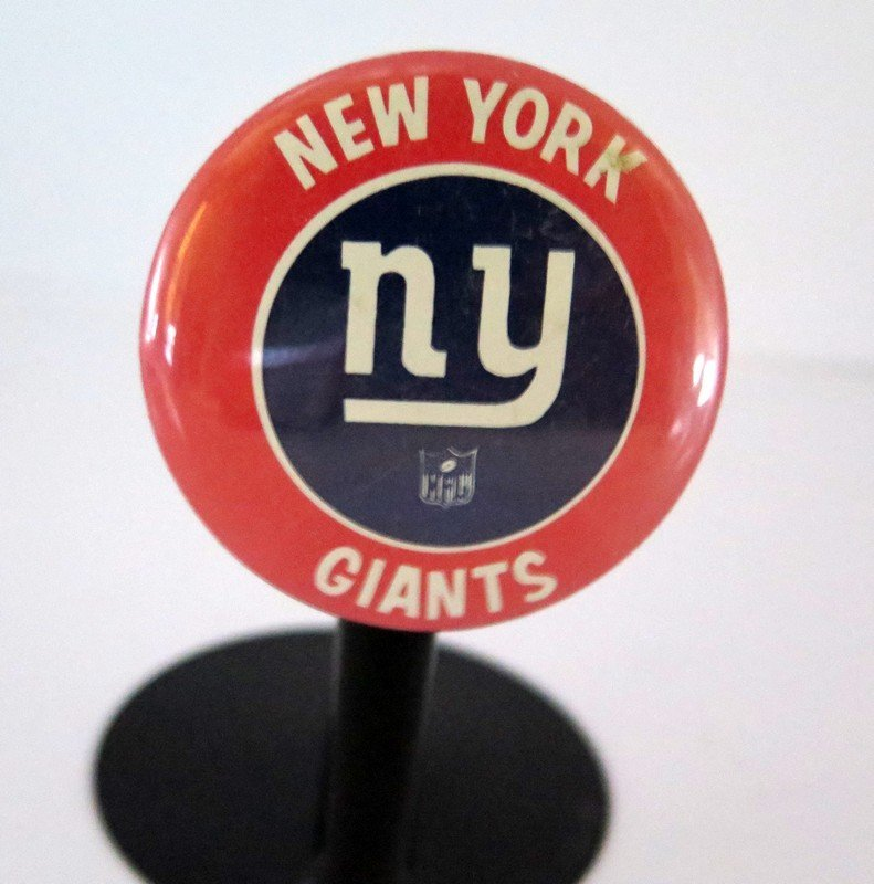Official NFL New York Giants Pin Back Button – measures