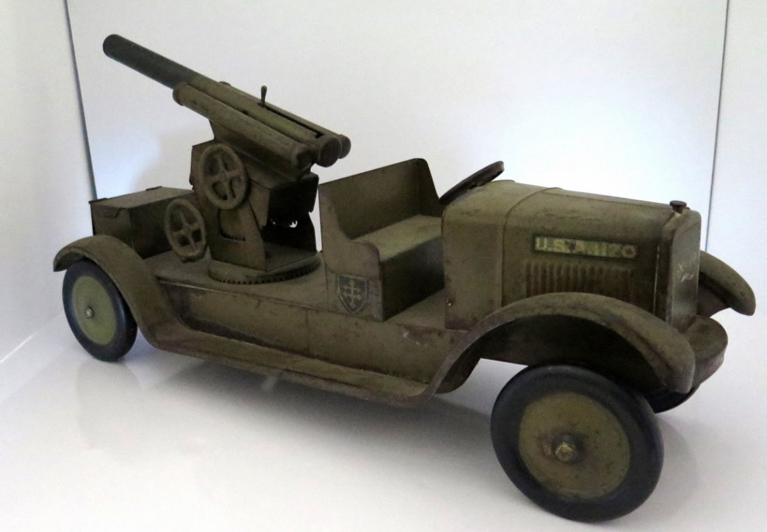 1926 Sonny Anti-Aircraft Military Truck and Cannon -
