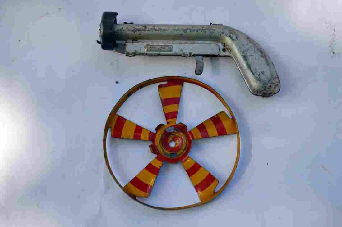 Vintage Daisy Mfg. Co Propeller Pistol