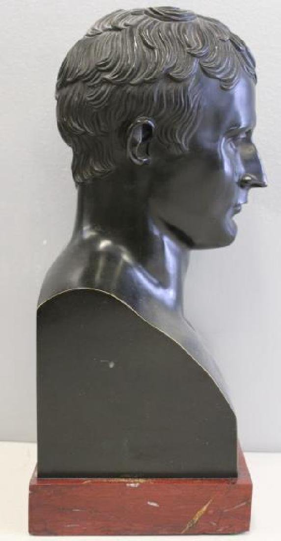 Patinated Bronze Bust of a Gentleman on Marble - 3