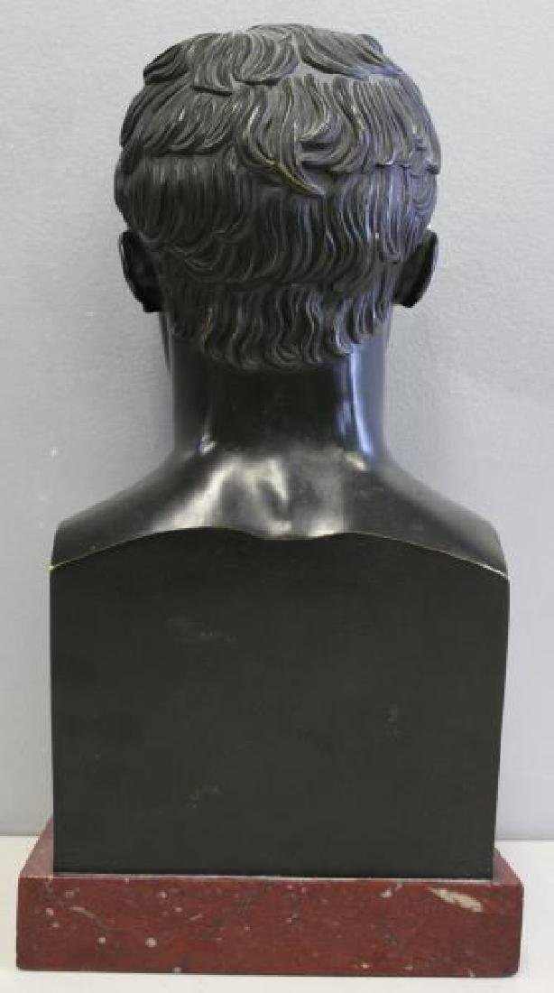 Patinated Bronze Bust of a Gentleman on Marble - 4