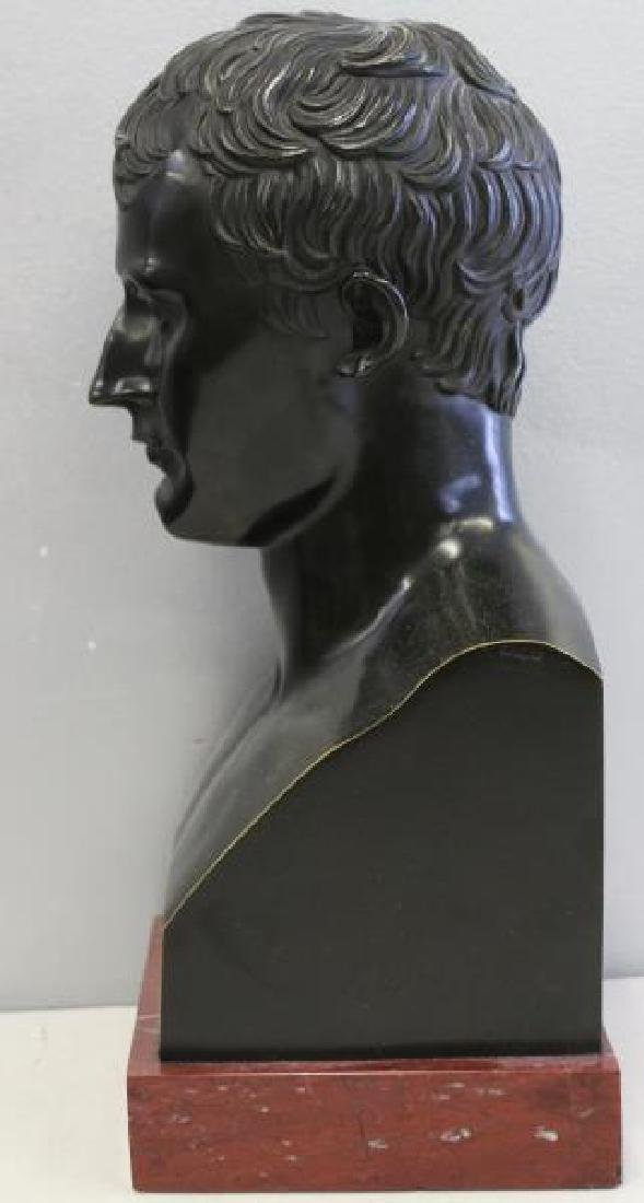 Patinated Bronze Bust of a Gentleman on Marble - 5