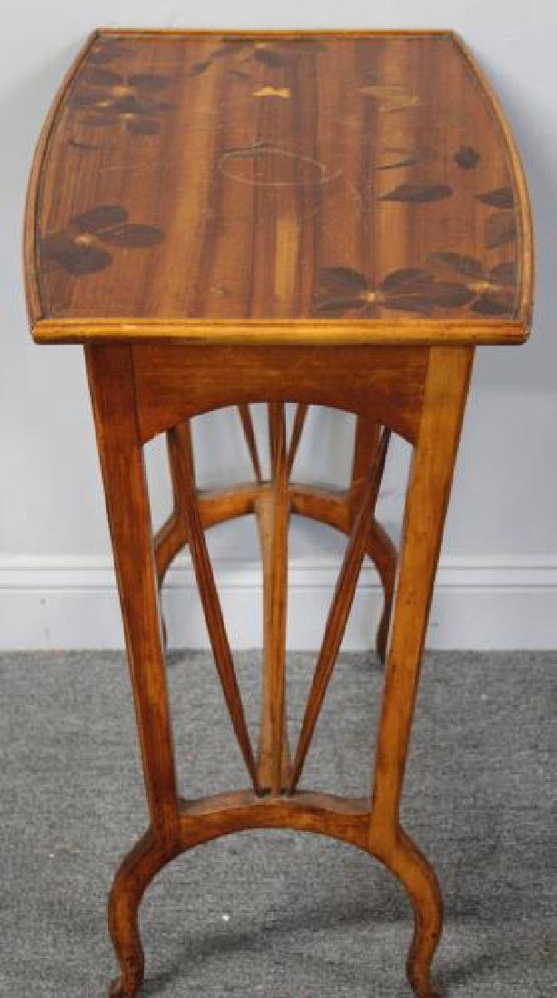 Art Nouveau Inlaid Table in the Manner of - 3