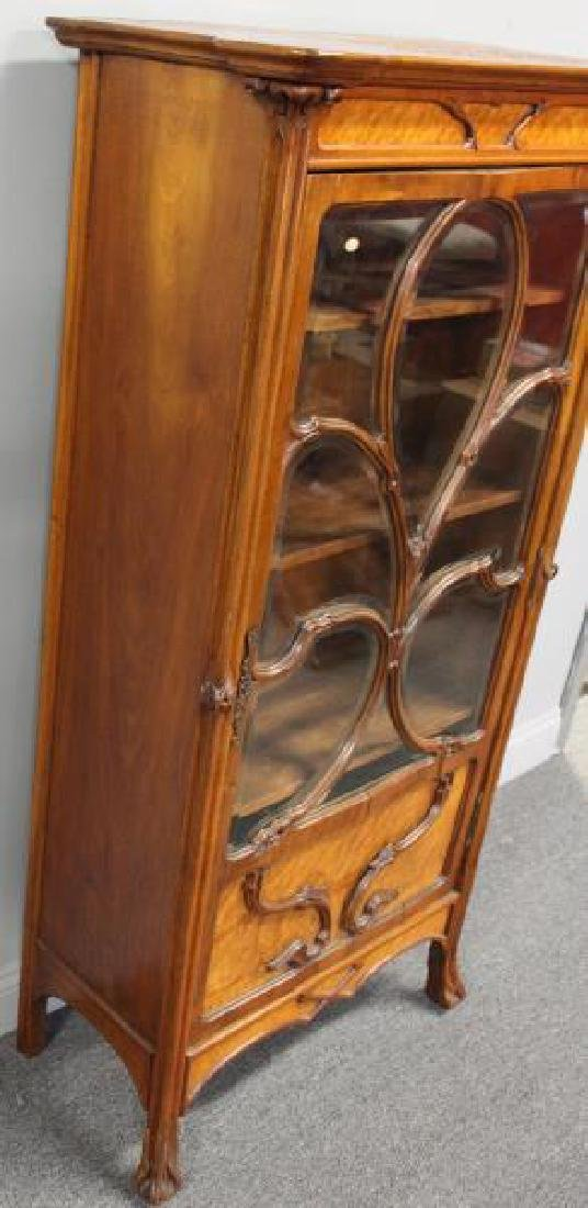 Art Nouveau Maple and Mahogany Cabinet. - 4