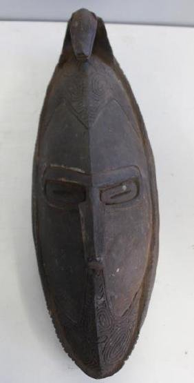 Murik Lakes Antique Carved Wood Mask.