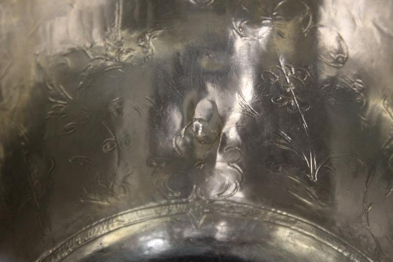SILVER. William and Mary English Silver Caudle Cup - 4