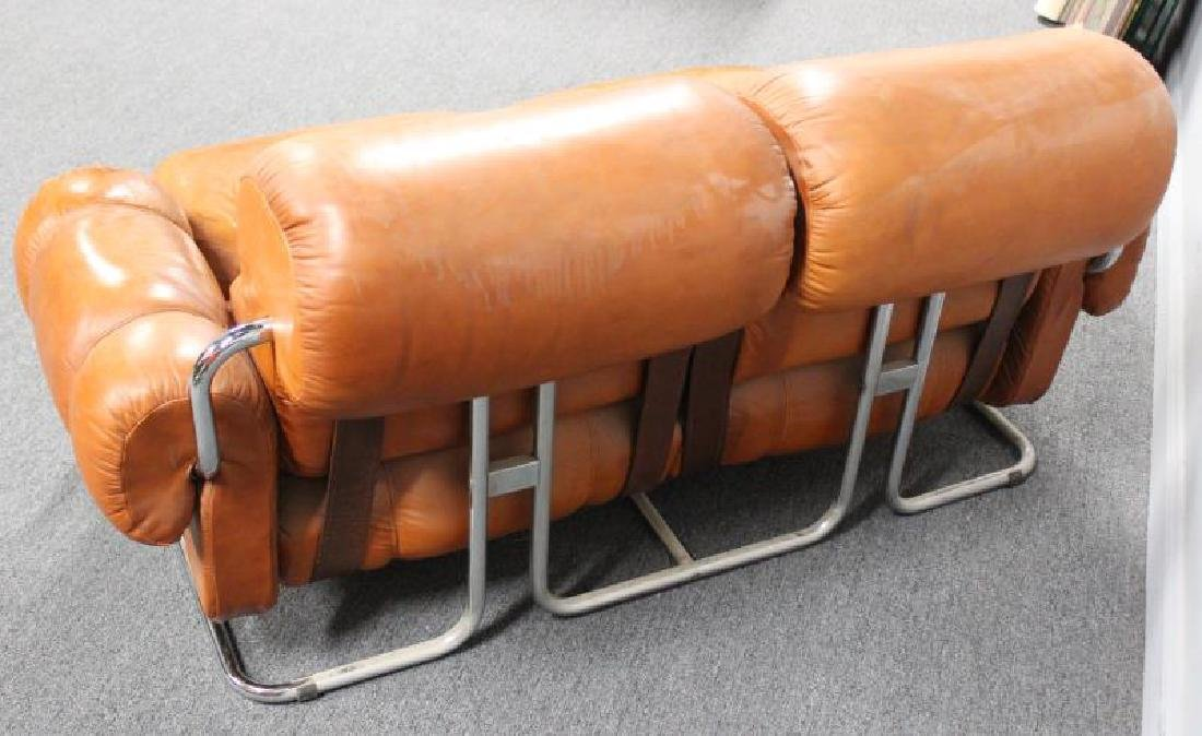 Midcentury 1970s Mariani Leather and Chrome Sofa. - 3