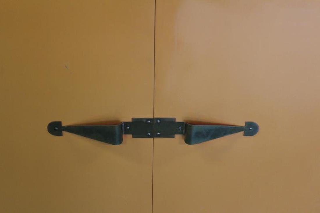 Midcentury Tommi Parzinger Sideboard Cabinet. - 2