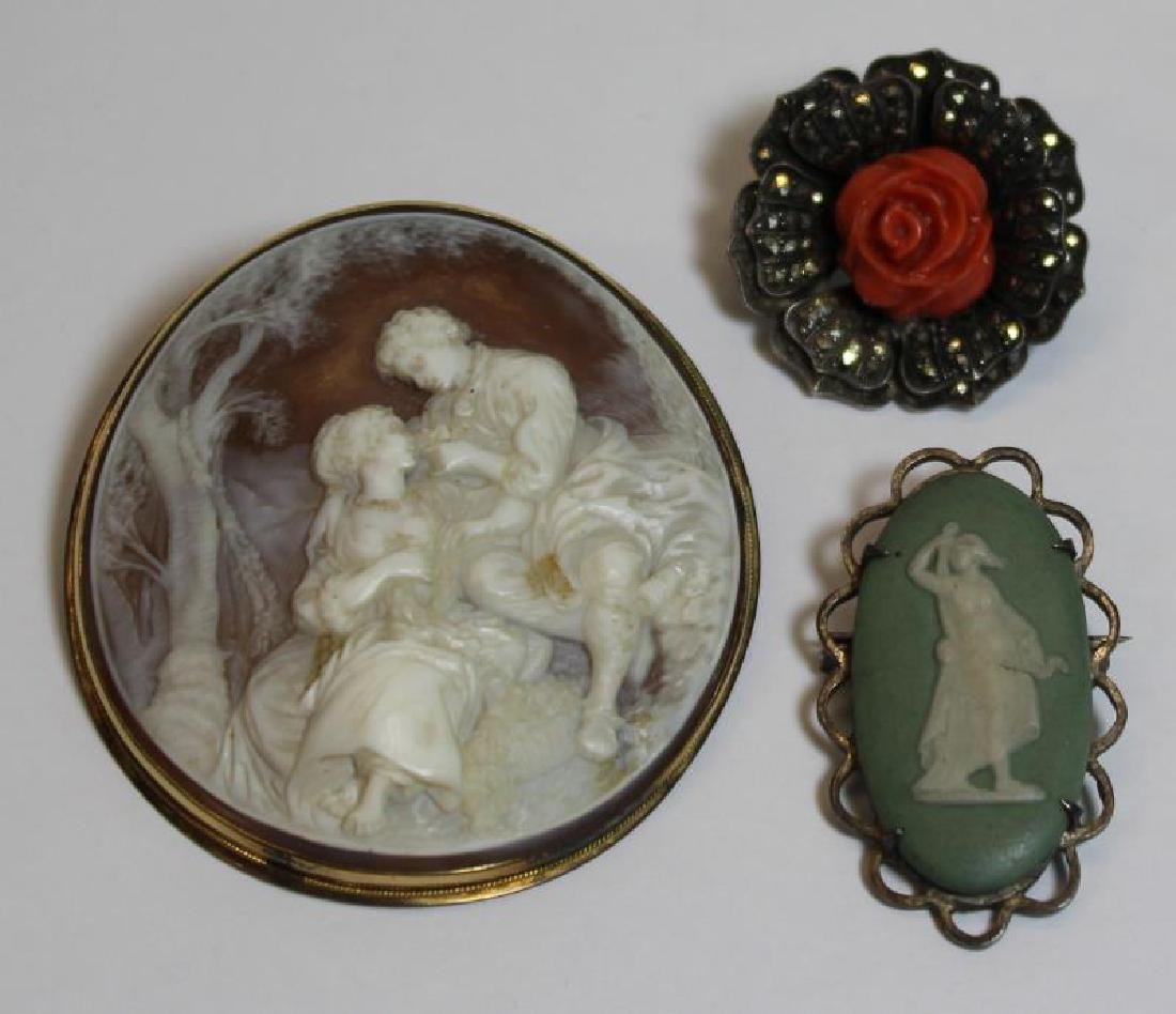 JEWELRY. Antique/Vintage Brooch Grouping.